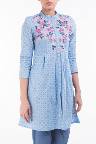 W FATUA PLACID BLUE PRINTED