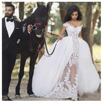 Luxury Wedding Dresses / Ball Gown Appliques Detachable Train