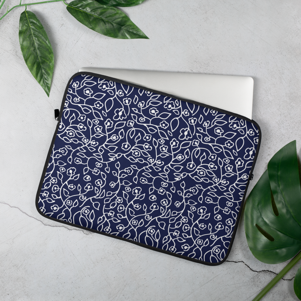 White small flowers | Laptop Sleeve