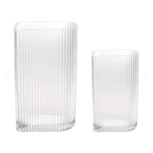 Laden Sie das Bild in den Galerie-Viewer, Vase / Clear Ribbed Blumenvase / 2er Set - WUUD