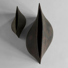 Laden Sie das Bild in den Galerie-Viewer, Origami Vase / Mini / Dark Grey 101 Copenhagen - WUUD