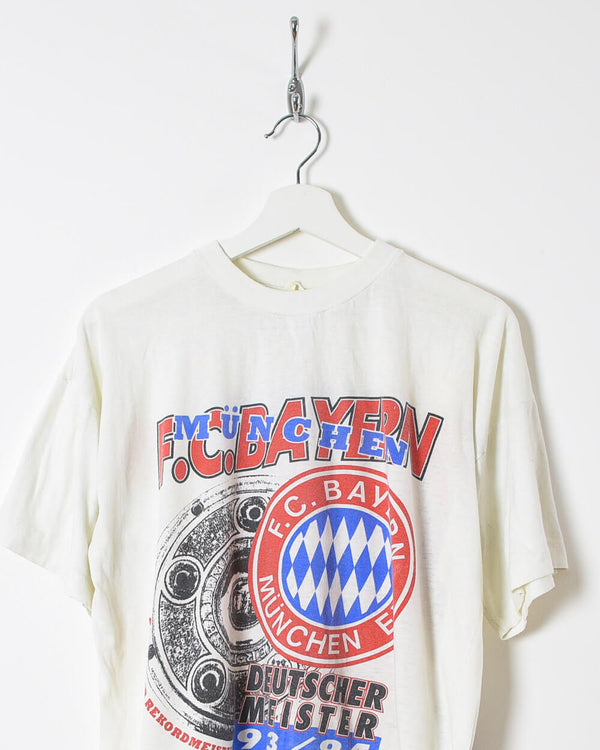 Bayern Munich T-Shirt - Medium