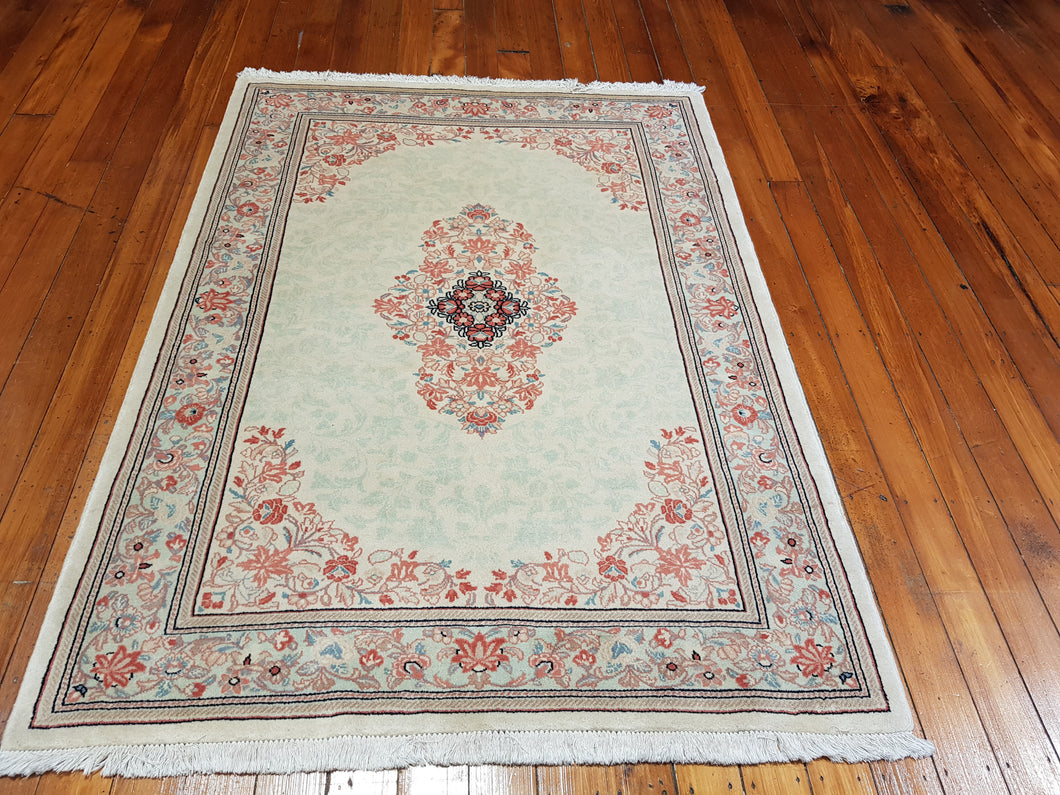 Hand knotted wool Rug 437 size 189 x 137 cm Iran