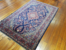Load image into Gallery viewer, Hand knotted wool Rug 590 size 208 x 135 cm Iran