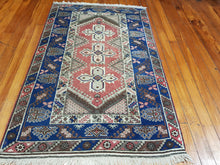 Load image into Gallery viewer, Hand knotted wool Rug 196126 size  196 x 126 cm Turkey