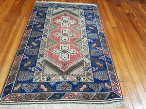 Hand knotted wool Rug 196126 size  196 x 126 cm Turkey