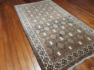 Hand knotted wool Rug 421 298 x 167 cm Iran