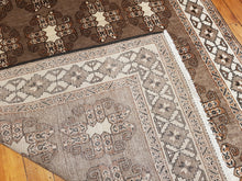 Load image into Gallery viewer, Hand knotted wool Rug 421 298 x 167 cm Iran