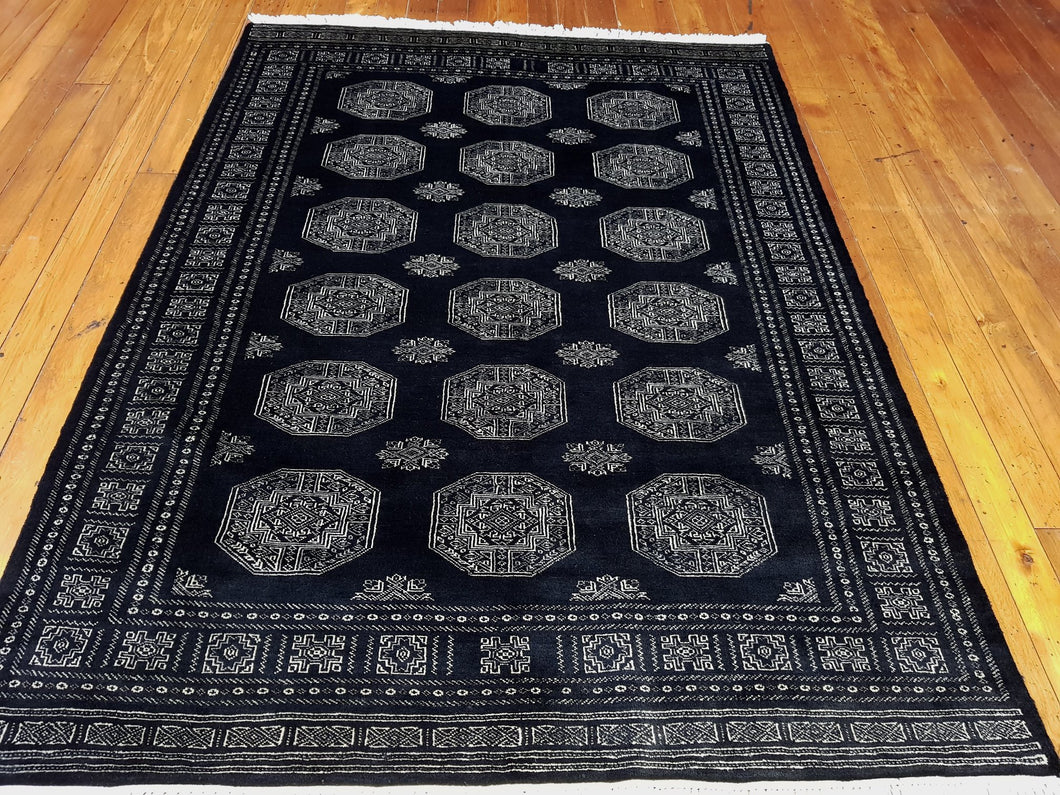 Hand knotted wool Rug 8 size 227 x 167 cm Pakistan