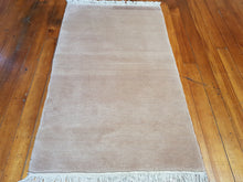 Load image into Gallery viewer, hand knotted wool Rug 1245 size 159 x 93 cm Nepal