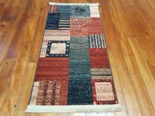 Load image into Gallery viewer, 100% wool  Kasghai 4329 400 size 67 x 130 cm Belgium