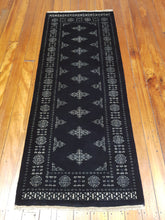 Load image into Gallery viewer, Hand knotted wool Rug 15 size 199 x 79 cm Pakistan