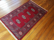 Load image into Gallery viewer, Hand knotted wool Rug 10 size 123 x 78 cm Pakistan