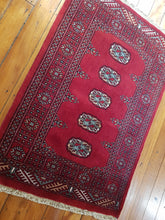 Load image into Gallery viewer, Hand knotted wool Rug 9 size 119 x 80 cm Pakistan