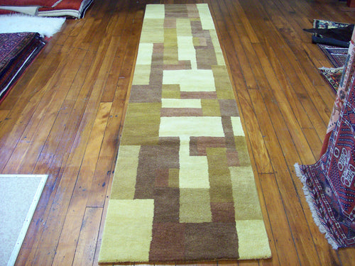 Hand tufted wool Rug SQHT 45 size 400 x 80 cm India