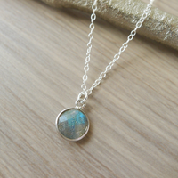 Labradorite Circle Gem Necklace