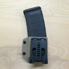 AR15 mag holder in FDE (fall) back side, showing Tek-Lok (R)