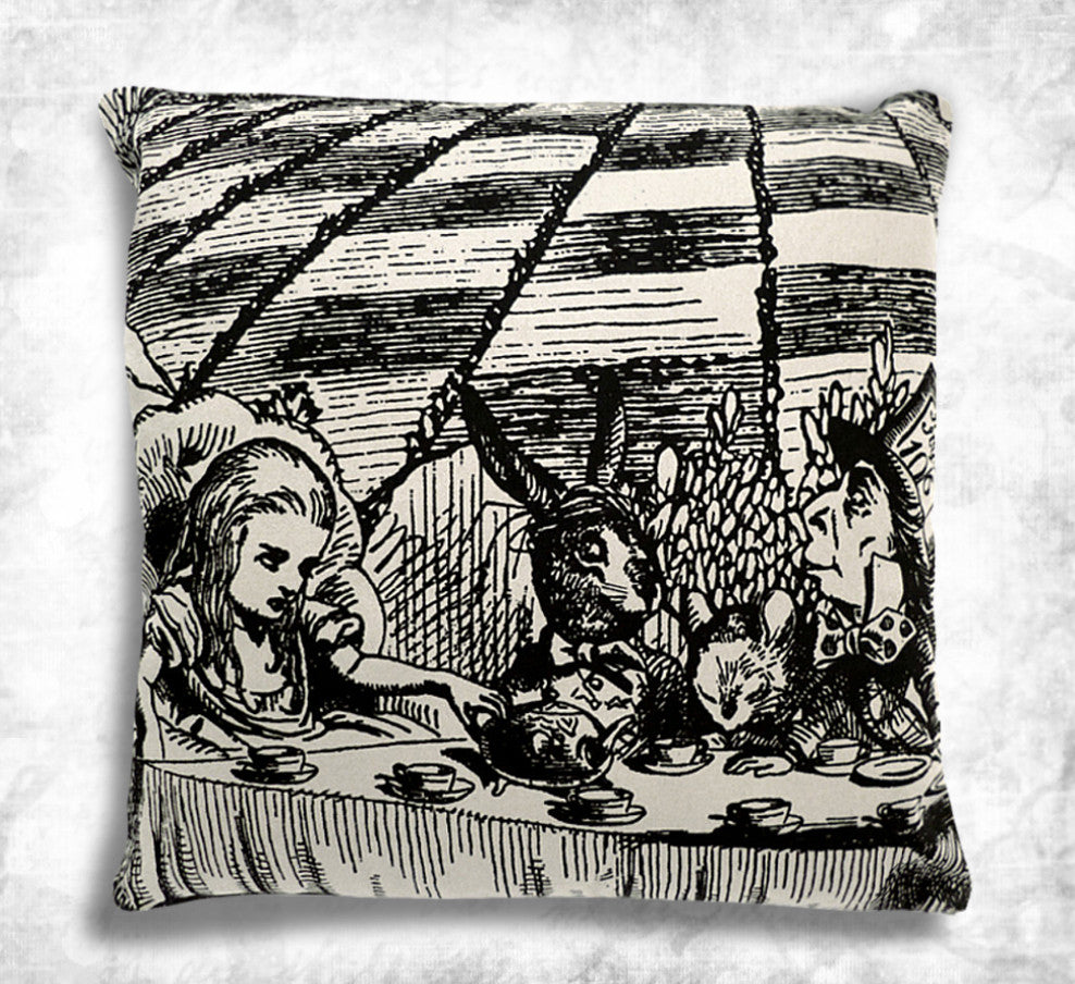 Alice Mad Tea party Cushion cover