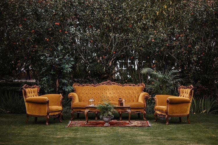 'Glorious Golden' Vintage Seating Area
