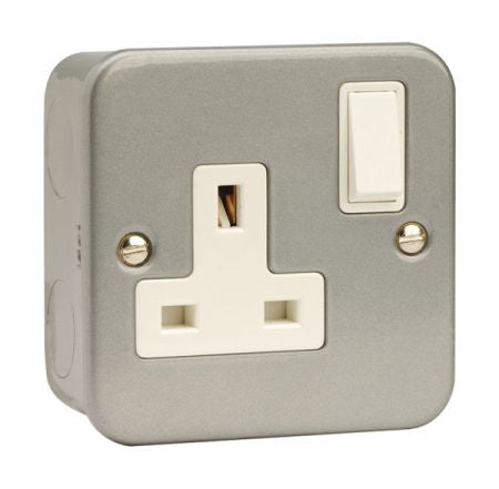 Scolmore 13A 1G DP Metal Clad Switched Socket Outlet