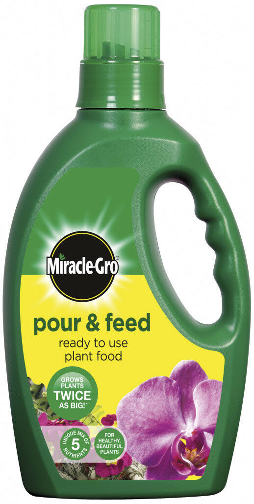 Miracle-Gro Pour & Feed Ready To Use Plant Food 3L
