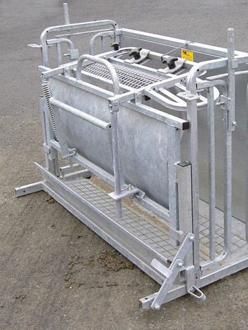 WM Ironwork Rollover Sheep Ewe-Turn Crate