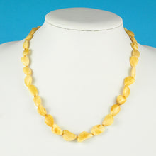 Load image into Gallery viewer, Attractive And Unique Flat Bean Natural White Amber Necklace