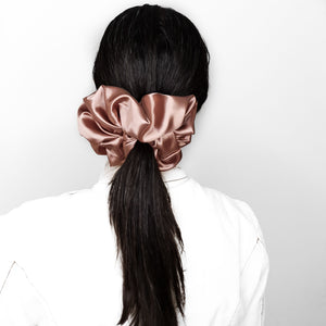 XXL SCRUNCHIE - SATIN in DUSTY PINK
