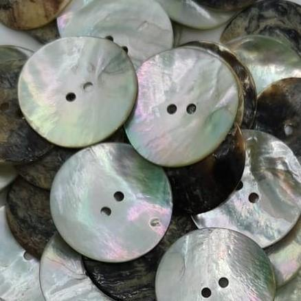 100 pieces - 2 Holes Shell Button 30mm (48