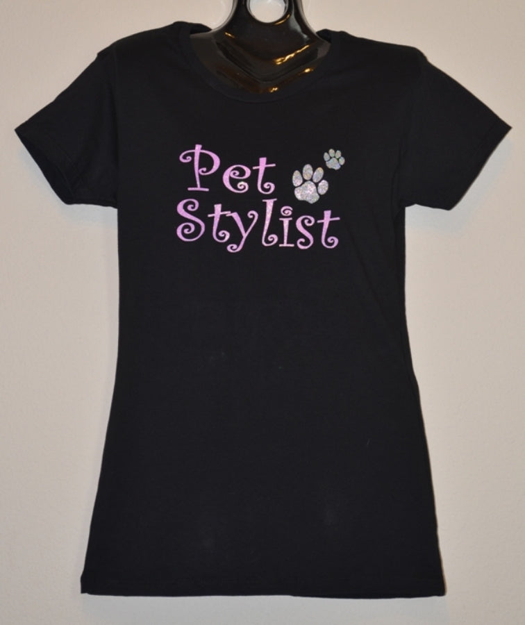PET STYLIST WITH PAWS T-SHIRT