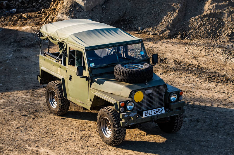 Land Rover Defender D90 (1973)