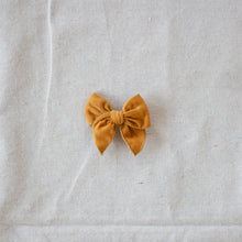 Load image into Gallery viewer, Mini Fleur // Butternut