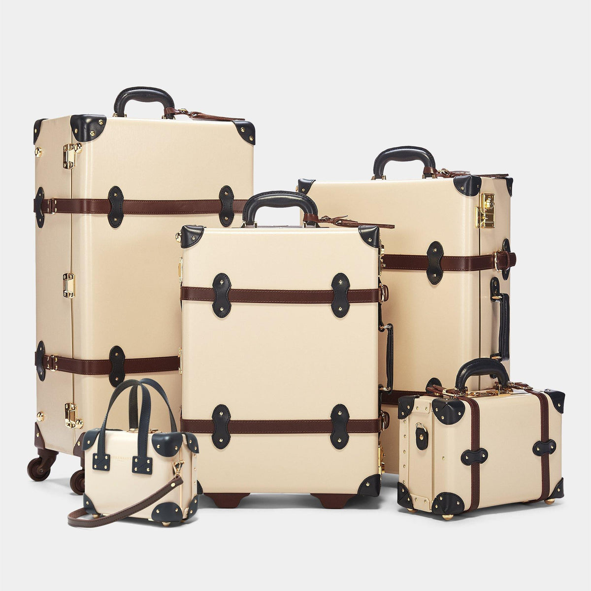 The Architect - Cream Check In Spinner - Steamline Luggage