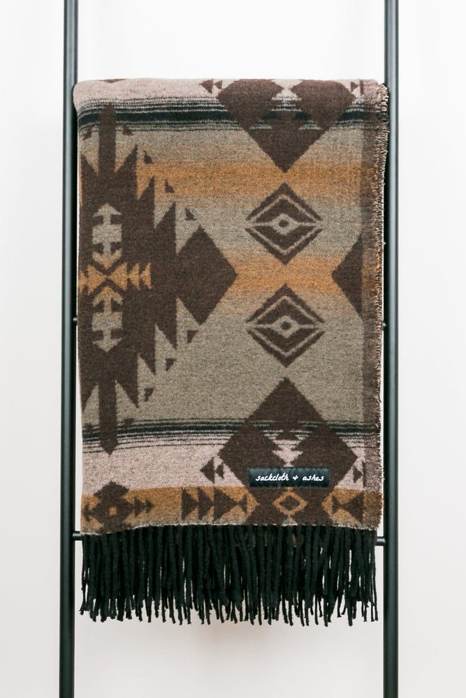 Load image into Gallery viewer, Sackcloth & Ashes Blanket - 'Diamond Moss'