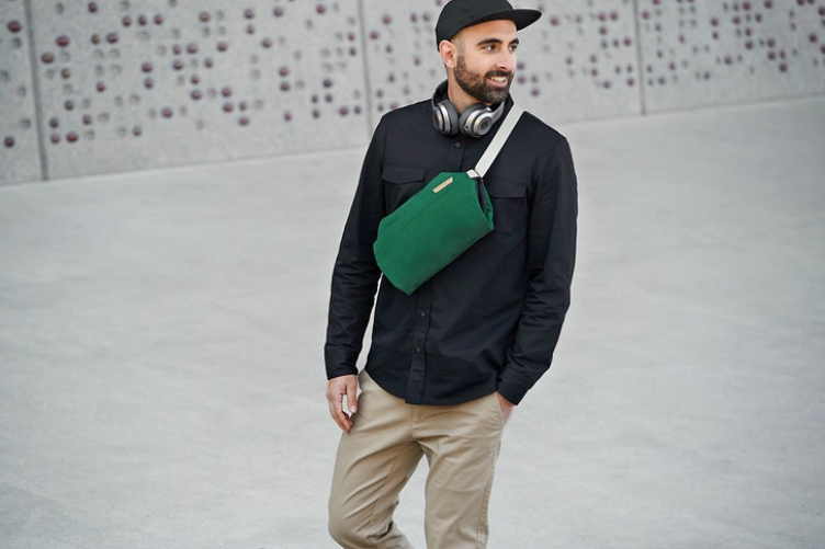Load image into Gallery viewer, Bellroy Sling - 'Charcoal'