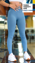 Cargar imagen en el visor de la galería, ribbed stretchy blue leggings high-waisted seamless shop black business