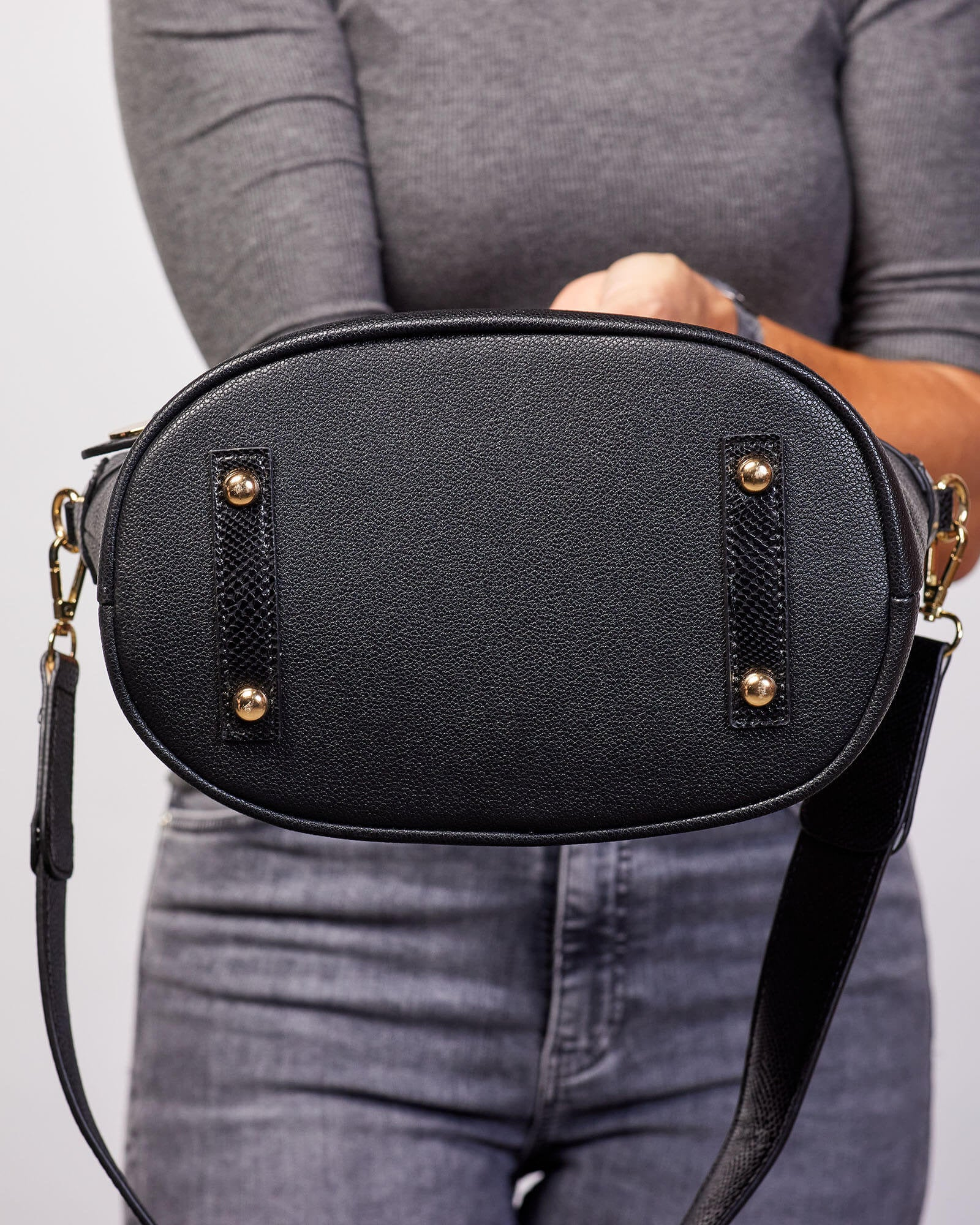 Latrobe Bag Black Louenhide