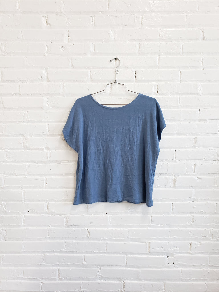 tee, denim, size S/M