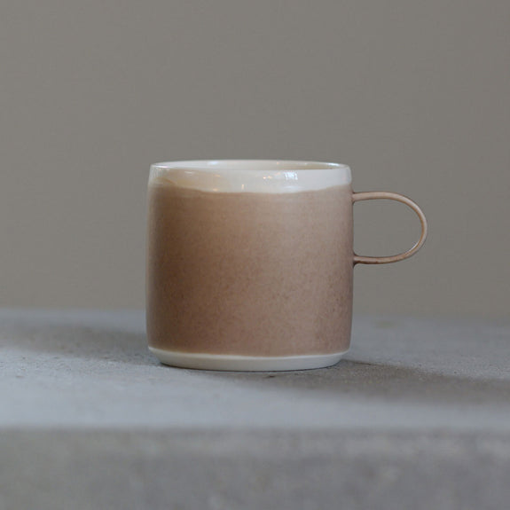 Coffee Cup Sand - To komma Fire Kvadrat