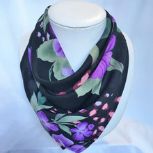 Load image into Gallery viewer, Chiffon Magnetic Scarf - Square
