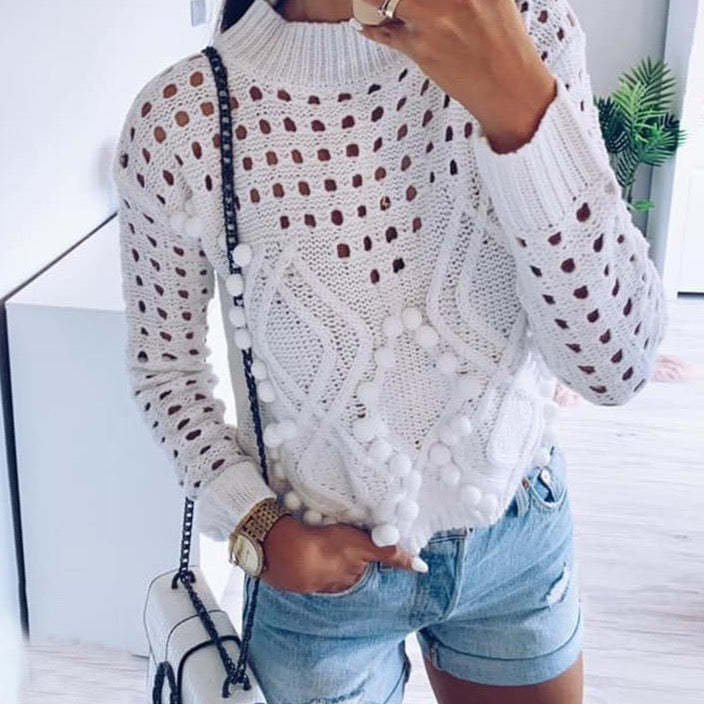 WINTER WHITE SWEATER
