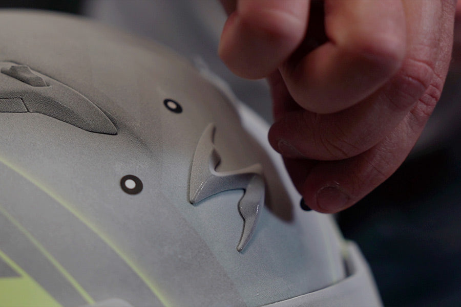 Stick photogrammetry dots onto your object, on top of the spray