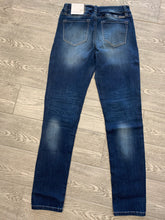 Load image into Gallery viewer, KanCan Mid Rise Super Skinny Denim
