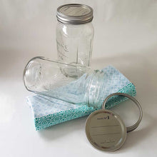 Load image into Gallery viewer, Glass 1 Ltr Preserving Jars with metal dome & band, Boxes of 6