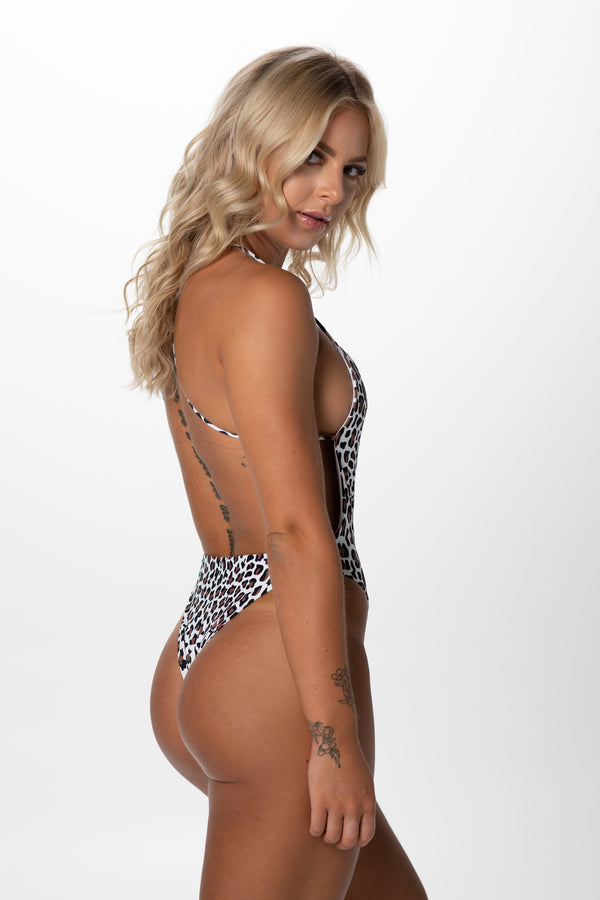 Basari Backless One Piece