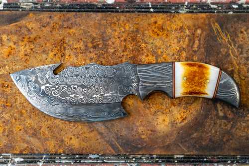 Skinner Knife- Smooth Deer Horn and Damascus Steel