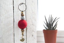 Load image into Gallery viewer, Diffuser Keychain