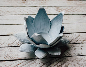 Lotus Candle Holder - White