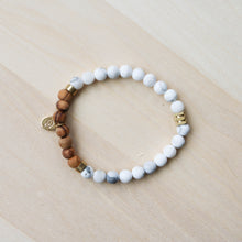 Load image into Gallery viewer, Howlite Gemstone Bracelet