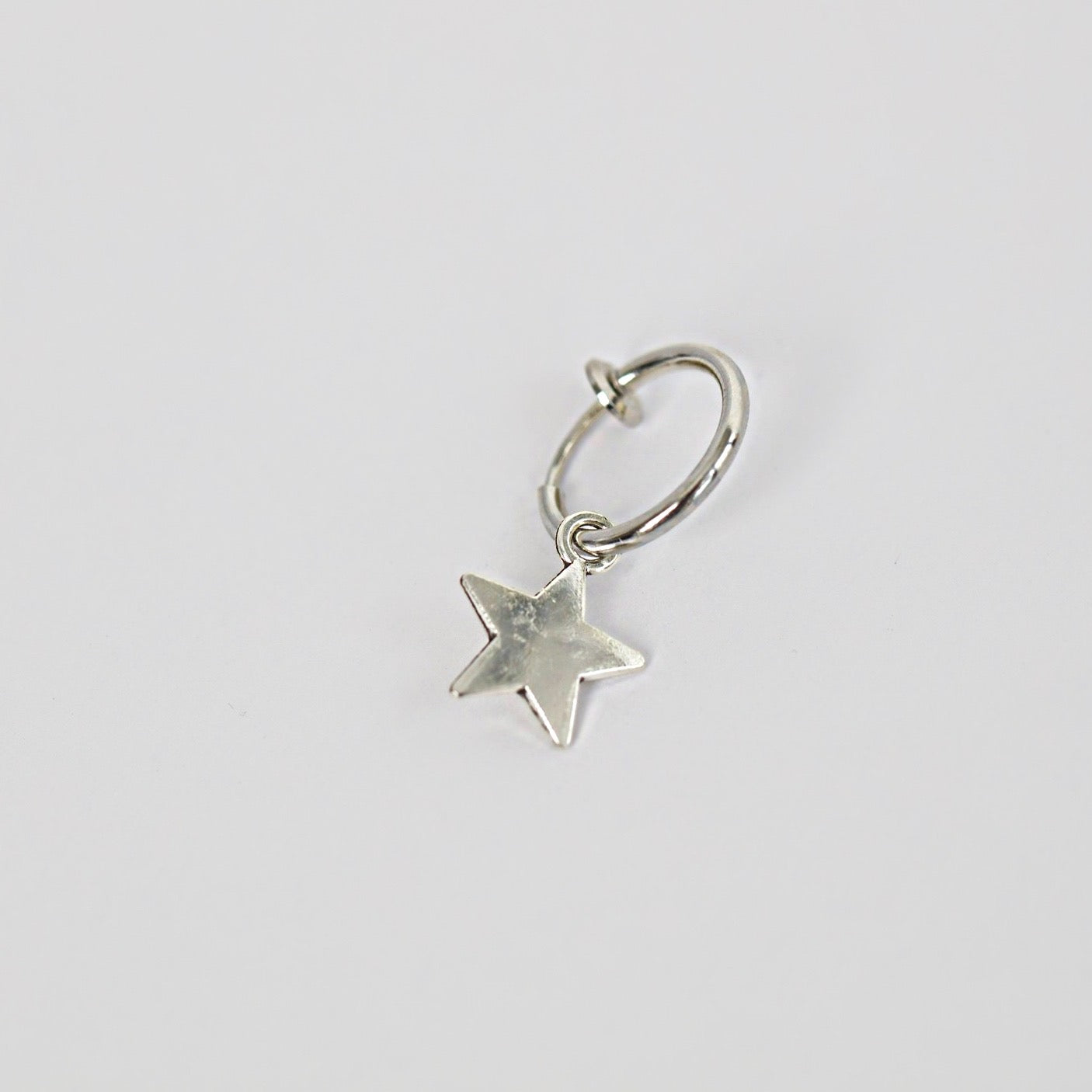 Star Earring (Clip-on, Fake Piercing)